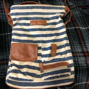 American Eagle crossbody bag